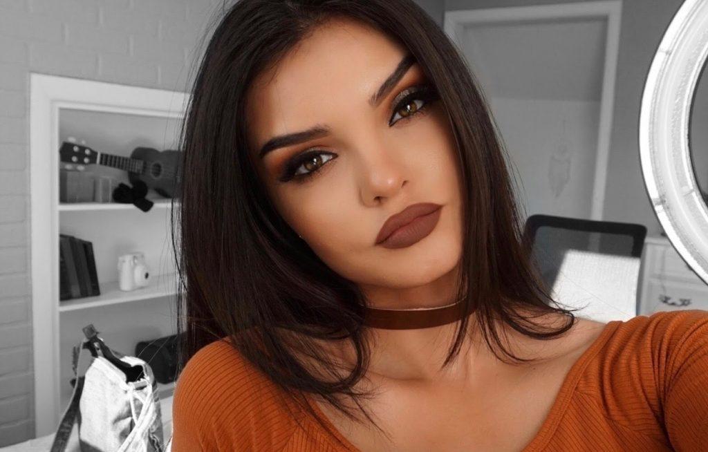 Lips brown 1